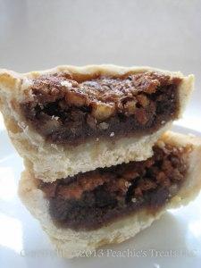 Mini Chocolate & Pecan Pie - Crossection